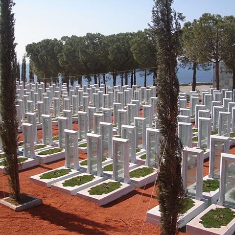 チャナッカレシンボリックトルコ殉教者埋葬地